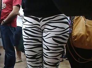 Amateur  Leggings voyeur