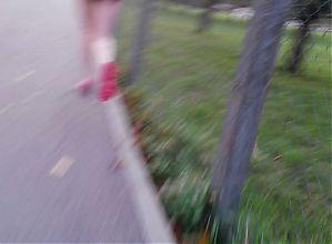 Sexy & beutiful young teen legs in short shorts running
