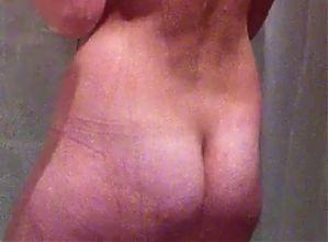 hidden cam of sexy girl taking a shower part1