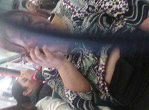 gorda muestra en el metro